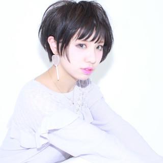 ショート 暗髪 外国人風 アッシュ ヘアスタイルや髪型の写真・画像