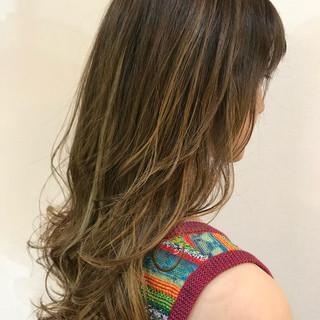 バレイヤージュ 外国人風カラー ロング ハイライト ヘアスタイルや髪型の写真・画像