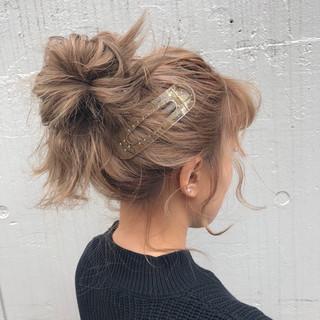 簡単ヘアアレンジ ガーリー グレージュ アンニュイほつれヘア ヘアスタイルや髪型の写真・画像 ヘアスタイルや髪型の写真・画像