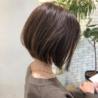 ショートボブ ベリーショート ナチュラル 切りっぱなしボブ ヘアスタイルや髪型の写真・画像