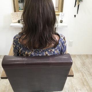 ハイライト 透明感 ミディアム ナチュラル ヘアスタイルや髪型の写真・画像