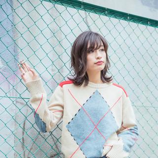 グラデーションカラー ミディアム 暗髪 ストリート ヘアスタイルや髪型の写真・画像