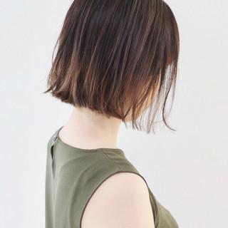 外ハネボブ インナーカラー ナチュラル グラデーションカラー ヘアスタイルや髪型の写真・画像