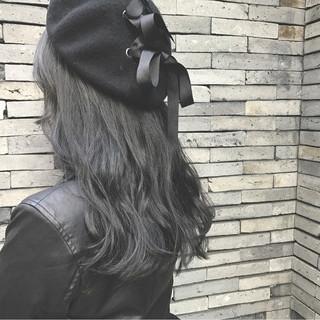 ロング ストリート 黒髪 グレー ヘアスタイルや髪型の写真・画像