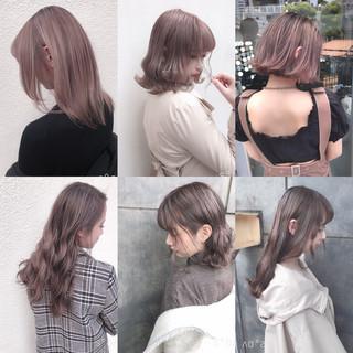 オリーブベージュ ピンクベージュ アッシュグレージュ ミディアム ヘアスタイルや髪型の写真・画像