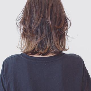 ハイライト バレイヤージュ アウトドア 外国人風カラー ヘアスタイルや髪型の写真・画像