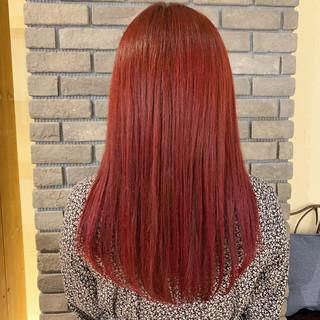 ガーリー セミロング チェリーレッド デート ヘアスタイルや髪型の写真・画像 ヘアスタイルや髪型の写真・画像