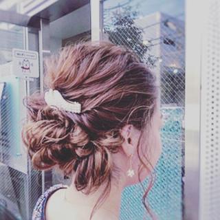 簡単ヘアアレンジ ヘアアレンジ エレガント ミディアム ヘアスタイルや髪型の写真・画像