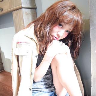 フェミニン オン眉 ゆるふわ 外国人風 ヘアスタイルや髪型の写真・画像 ヘアスタイルや髪型の写真・画像