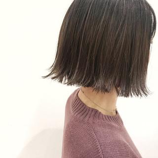 小顔 色気 ナチュラル アッシュ ヘアスタイルや髪型の写真・画像