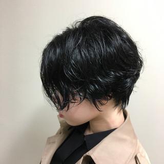 デート ナチュラル パーマ ショート ヘアスタイルや髪型の写真・画像