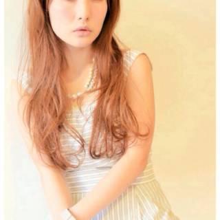 大人かわいい オン眉 ゆるふわ 外国人風 ヘアスタイルや髪型の写真・画像 ヘアスタイルや髪型の写真・画像