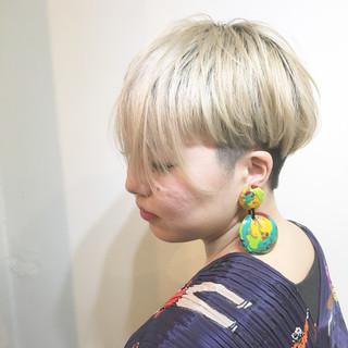 ミルクティー 透明感 ショート ストリート ヘアスタイルや髪型の写真・画像