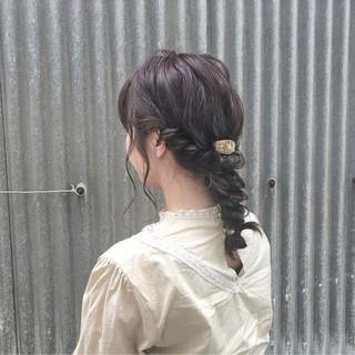 スモーキーカラー セミロング ヘアアレンジ デート ヘアスタイルや髪型の写真・画像