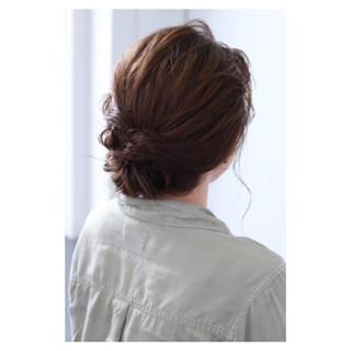 ミディアム ナチュラル リラックス ルーズ ヘアスタイルや髪型の写真・画像