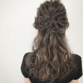 大人かわいい エレガント セルフヘアアレンジ ハーフアップ ヘアスタイルや髪型の写真・画像