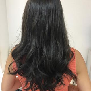 ロング アッシュ 透明感 グレージュ ヘアスタイルや髪型の写真・画像