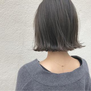 ロブ ナチュラル こなれ感 外ハネ ヘアスタイルや髪型の写真・画像