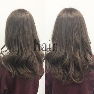 ロング アッシュ 外国人風 暗髪 ヘアスタイルや髪型の写真・画像 ヘアスタイルや髪型の写真・画像