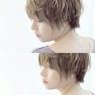 アッシュ ゆるふわ ガーリー ショート ヘアスタイルや髪型の写真・画像