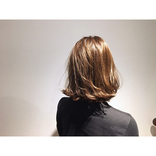 ボブ ガーリー 外国人風 ベージュゴールド ヘアスタイルや髪型の写真・画像