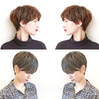 アンニュイほつれヘア ショートボブ ハイライト パーマ ヘアスタイルや髪型の写真・画像