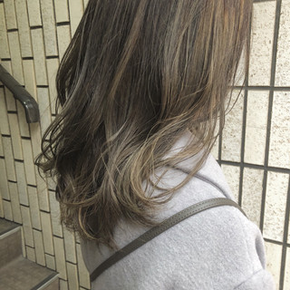 ブルージュ ナチュラル ミディアム 外国人風カラー ヘアスタイルや髪型の写真・画像