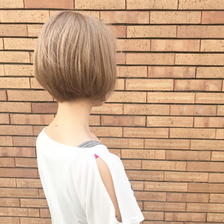 ミルクティー ナチュラル ヘアアレンジ ショートボブ ヘアスタイルや髪型の写真・画像
