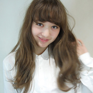 外国人風 ブラウン アッシュ ゆるふわ ヘアスタイルや髪型の写真・画像