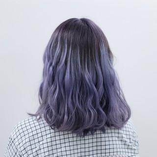 ストリート ラベンダーアッシュ ミディアム ハイトーン ヘアスタイルや髪型の写真・画像