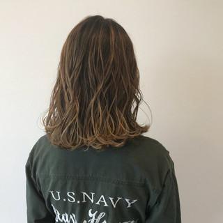 ストリート セミロング 秋 イルミナカラー ヘアスタイルや髪型の写真・画像
