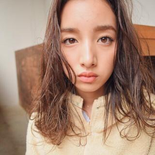 ゆるふわ ミディアム 外国人風 簡単 ヘアスタイルや髪型の写真・画像