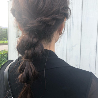 セミロング 簡単ヘアアレンジ ナチュラル 暗髪バイオレット ヘアスタイルや髪型の写真・画像