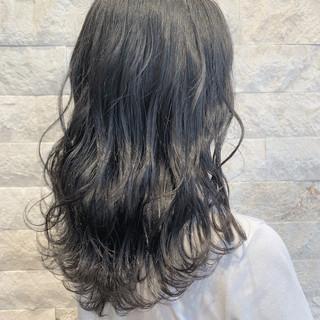 波巻き ガーリー アッシュグレージュ アッシュグレー ヘアスタイルや髪型の写真・画像