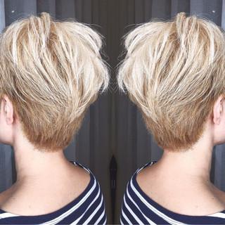 アウトドア 外国人風 大人かわいい ストリート ヘアスタイルや髪型の写真・画像 ヘアスタイルや髪型の写真・画像