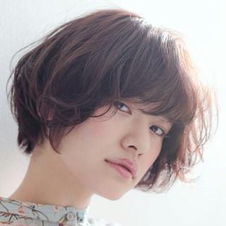 アッシュ 小顔 ニュアンス ナチュラル ヘアスタイルや髪型の写真・画像