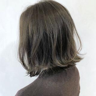 ナチュラル オリーブベージュ 外ハネボブ ボブ ヘアスタイルや髪型の写真・画像