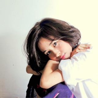ニュアンス 大人女子 黒髪 パーマ ヘアスタイルや髪型の写真・画像