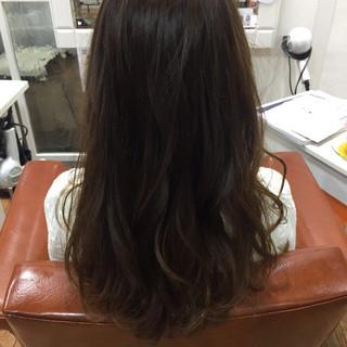 アッシュ ラベンダー ナチュラル 暗髪 ヘアスタイルや髪型の写真・画像
