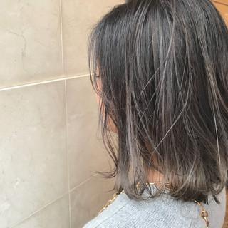 ボブ ダブルカラー グレージュ アッシュグレージュ ヘアスタイルや髪型の写真・画像