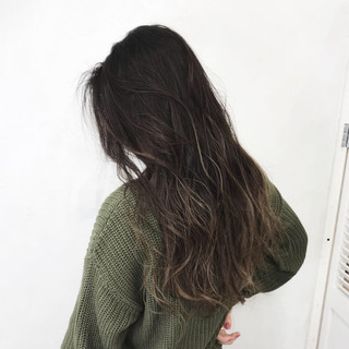 グレージュ 女子力 秋 ロング ヘアスタイルや髪型の写真・画像