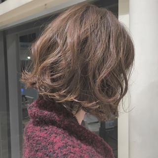 切りっぱなし ボブ ナチュラル グレージュ ヘアスタイルや髪型の写真・画像