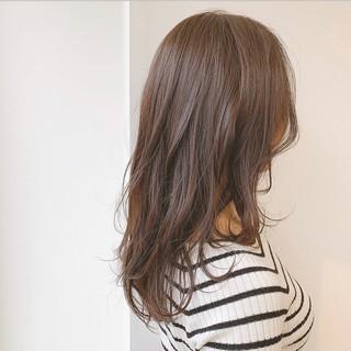 ブラウン ブラウンベージュ セミロング 透明感カラー ヘアスタイルや髪型の写真・画像