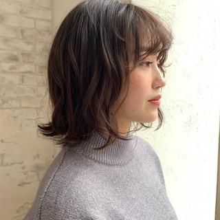 小顔ヘア ミディアム ナチュラル ゆるふわパーマ ヘアスタイルや髪型の写真・画像