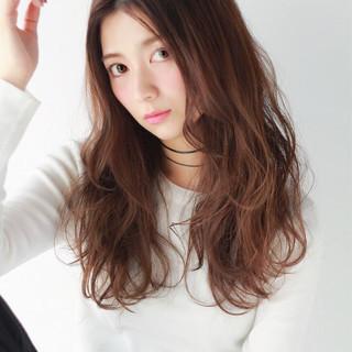 フェミニン 大人かわいい ガーリー センターパート ヘアスタイルや髪型の写真・画像 ヘアスタイルや髪型の写真・画像