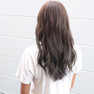 グラデーションカラー 外国人風 ロング 暗髪 ヘアスタイルや髪型の写真・画像