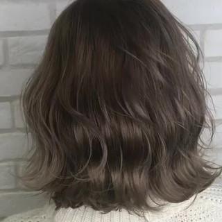 ナチュラル グレージュ ボブ デート ヘアスタイルや髪型の写真・画像
