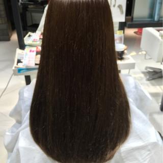透明感 オリーブアッシュ ストレート ナチュラル ヘアスタイルや髪型の写真・画像