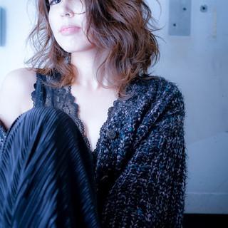 パーマ ゆるふわパーマ ミディアム フェミニン ヘアスタイルや髪型の写真・画像 ヘアスタイルや髪型の写真・画像