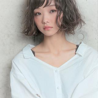 フェミニン ボブ ヘアアレンジ アンニュイほつれヘア ヘアスタイルや髪型の写真・画像